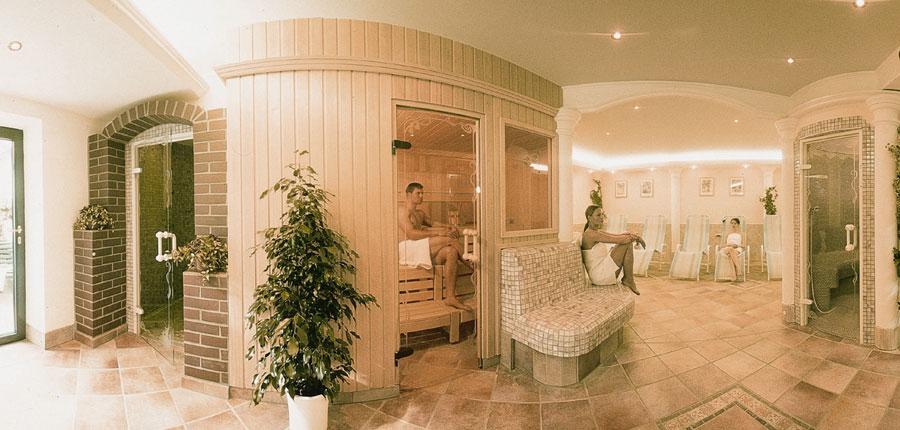 Austria_Mayrhofen_hotel_strolz_sauna.jpg